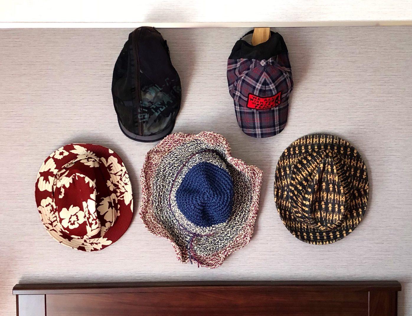 帽子をディスプレイ